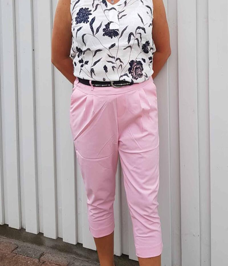 KAFFE JILLIAN CAPRI PANTS I CANDY PINK