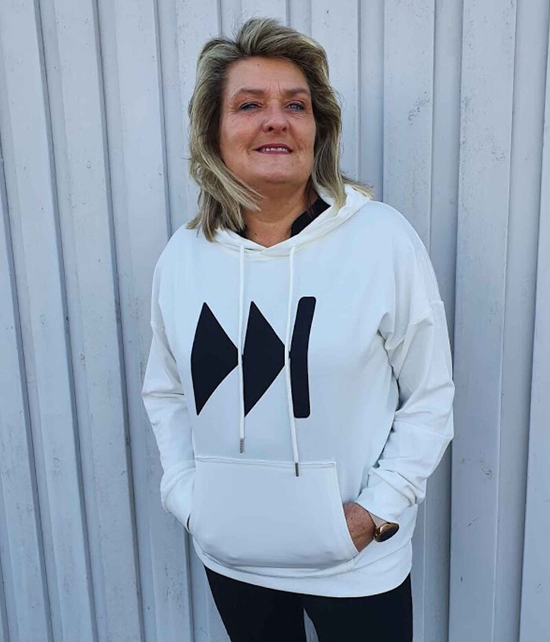 ONE-TWO SWEAT HODDIE  I KALK HVID